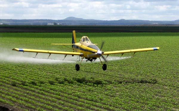 El avión herramienta  cada vez más necesaria en la agricultura