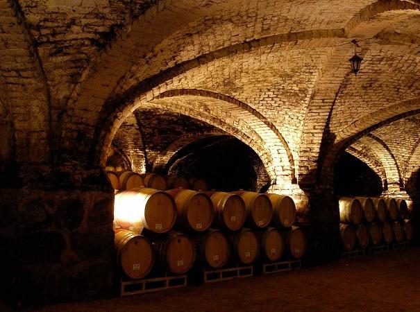 El vino y su relación con la madera