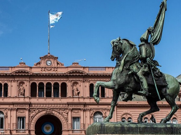 Gobierno argentino extiende restricción a las exportaciones por 60 días