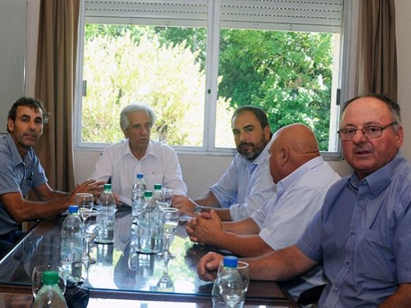 El Dr. Vázquez recibió al Centro de Viticultores del Uruguay