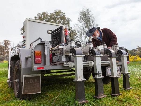 Universidad de Melbourne (Australia) desarrolla tecnología para matar malas hierbas sin herbicidas