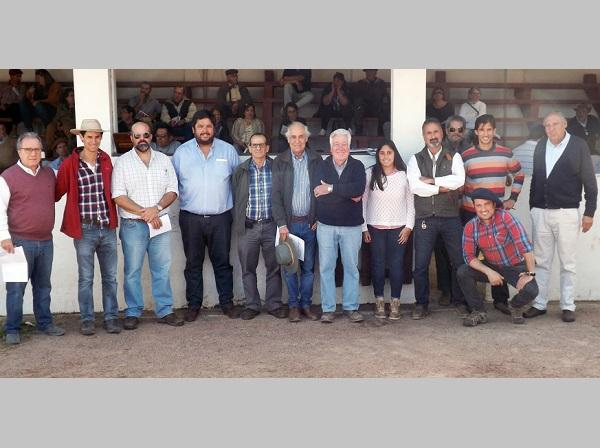 Juan C. Martínez y Daniel Dutra remataron Toros Garantidos en Lavalleja a U$S 2.665 promedio
