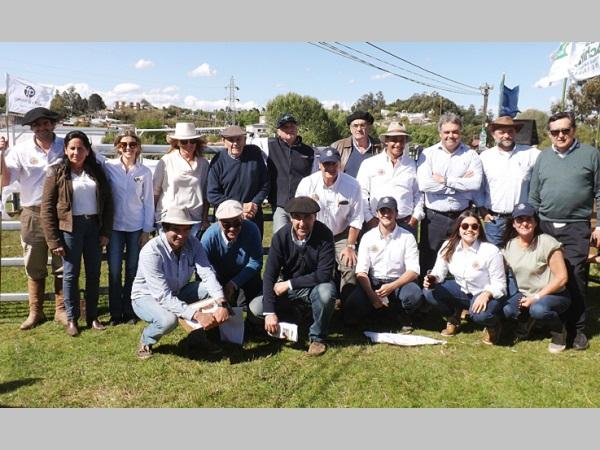 Con Fernando de la Peña y Megaagro los toros de Valle Chico y El Toril promediaron U$S 3.200