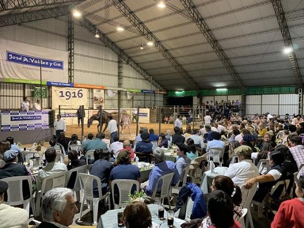 Con Don Tito desbordado, Valdez vendió Cosecha 2019