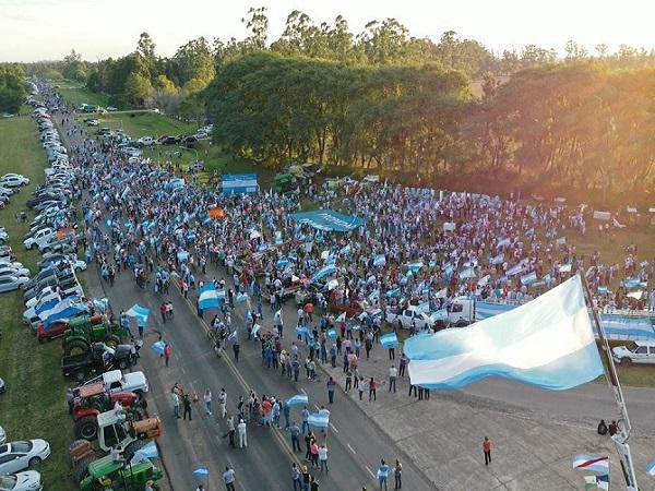 Los sectores productivos y la clase media argentina reaccionan ante el errático gobierno argentino