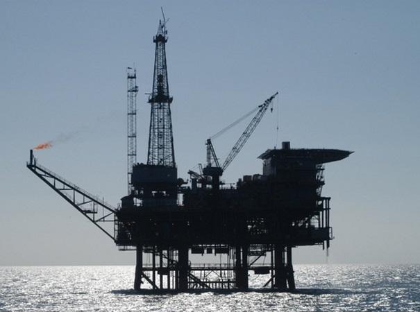Productores de petróleo acordaron incrementar la oferta de la materia prima