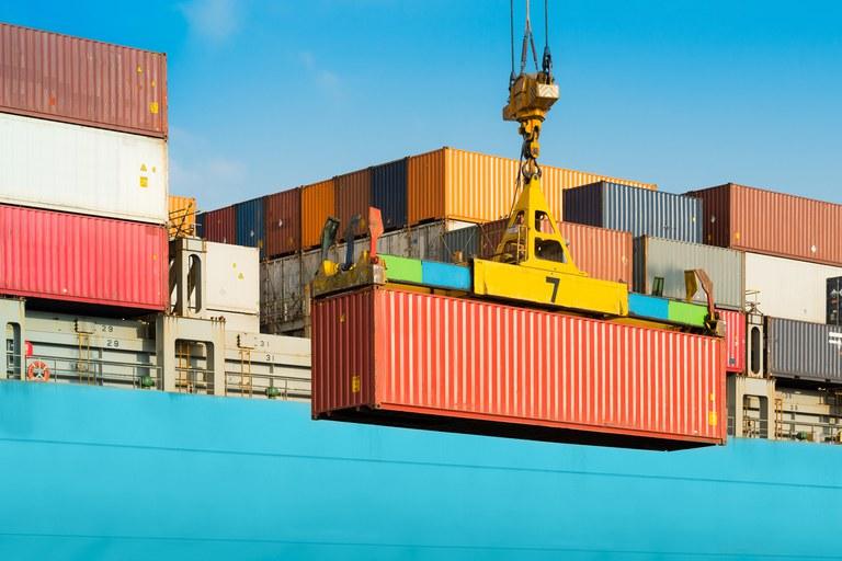En el primer semestre, las exportaciones crecieron 33% medidas en dólares
