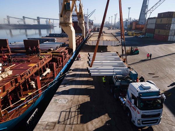 Arribó el puente en arco para el viaducto en rambla portuaria de Montevideo