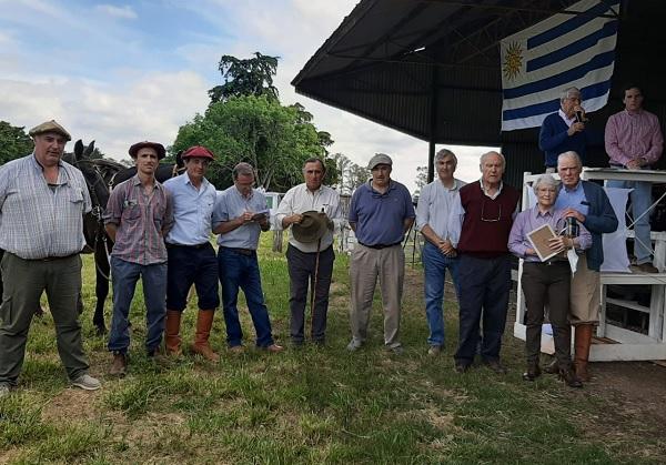 Con Romualdo, otra gran venta de Rincón de Francia y Manguera Azul